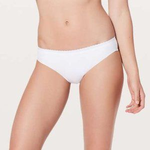 Lululemon Will the Wave Bikini Bottom White Sz 4